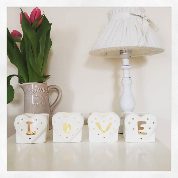 50% OFF Set Of 4 Ceramic Love Tealight Holders In White With Hearts